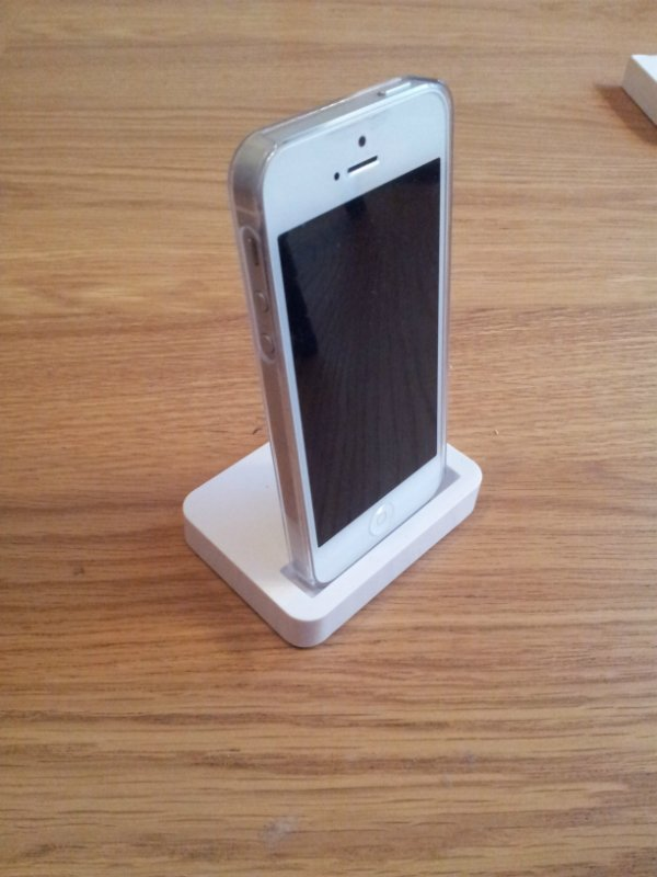 iphone-5-dock-angle