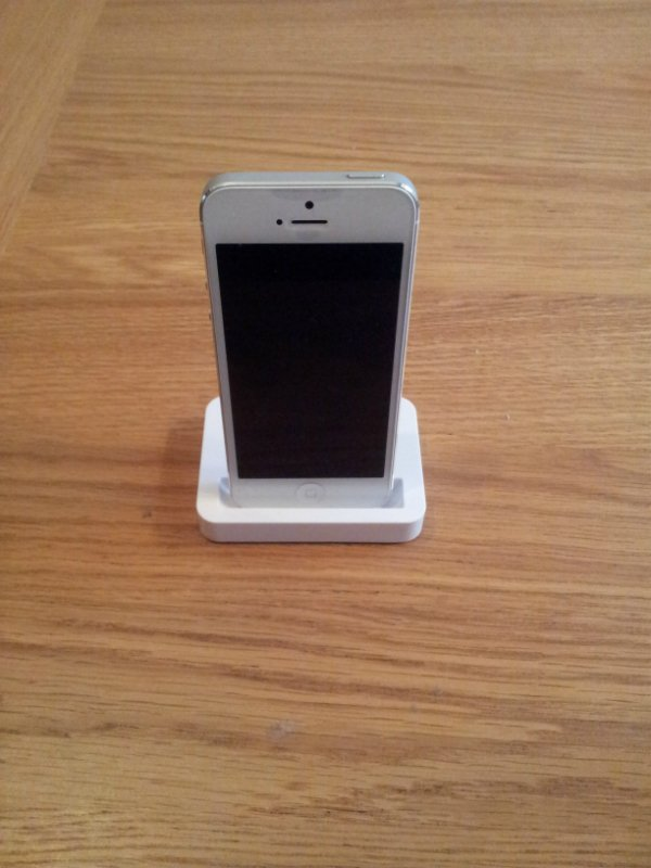iphone-5-dock-front