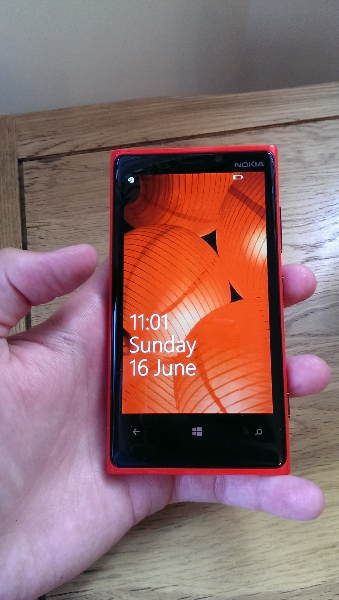 lumia-front-screen-on