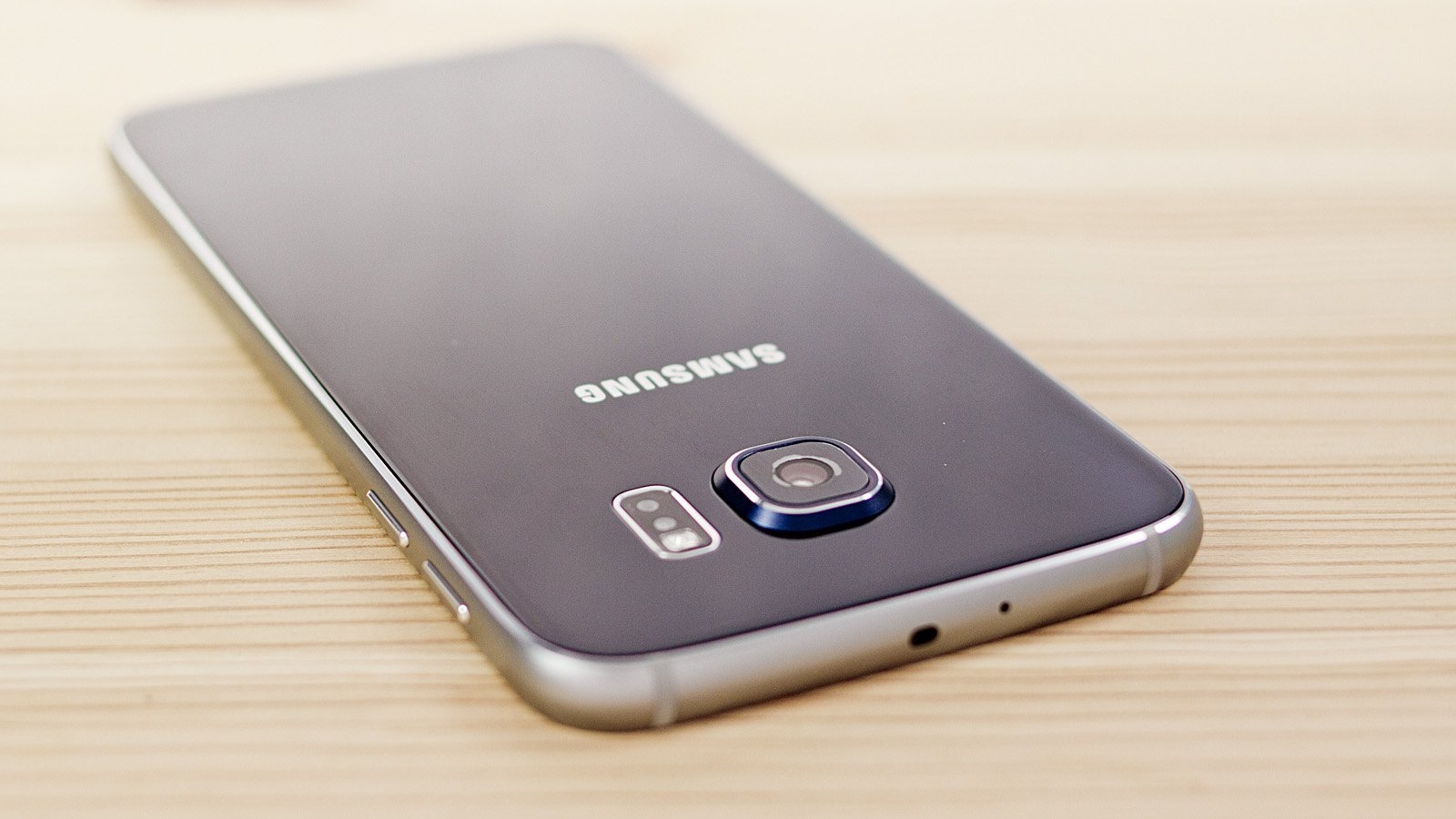 Alleged Samsung Galaxy S7 Pictures Leaked - BeginnersTech